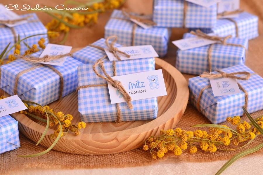 Detalles de bautizo jabones naturales personalizados