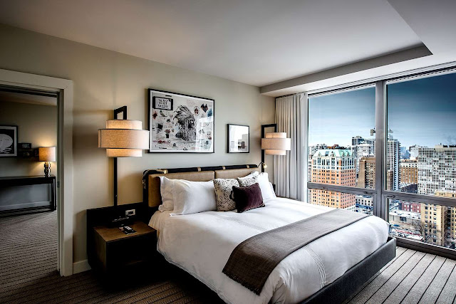 Thompson Chicago, a luxury hotel in Chicago's Gold Coast, offers a variety of rooms and suites, and nearby attractions to enjoy during your stay.