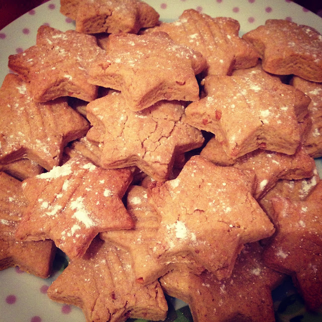 star shape peanut butter cookie recipe - perfect homemade Christmas foodie gift