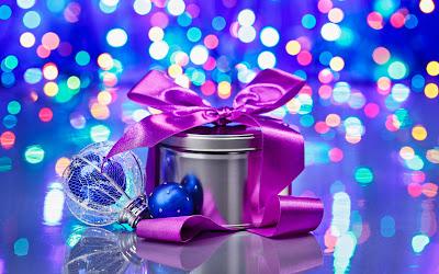 Christmas_gift_wallpaper_free_download_desktop_pc