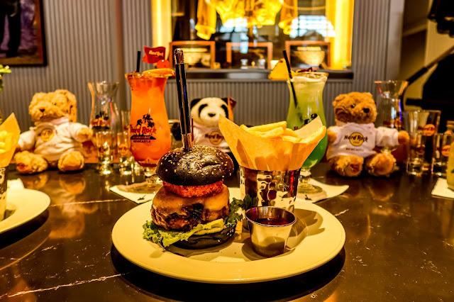 The Whey Aye burger, Hardrock Cafe, Newcastle, mandy Charlton photographer, writer, blogger