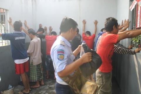 SKRIPSI HUKUM - PERBANDINGAN KEWENANGAN DAN TUGAS KEMENTERIAN AGAMA REPUBLIK INDONESIA DENGAN DIYANET ISLERI BASKANLIGI TURKI DALAM MENGATUR KEHIDUPAN BERAGAMA