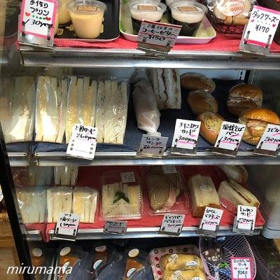 並んだサンドイッチ