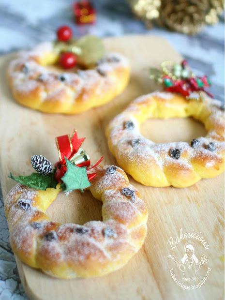 Bakericious Christmas Wreath Baked Pumpkin Donuts