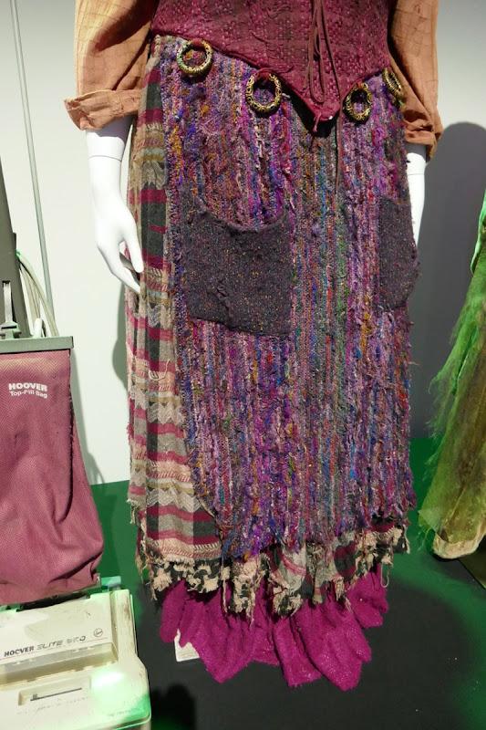Hocus Pocus Mary Sanderson costume skirt detail
