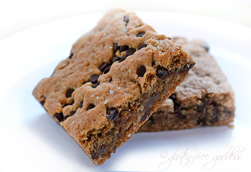 Gluten free quinoa breakfast brownie bars