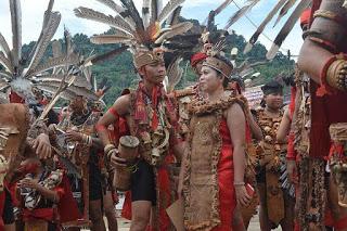 sejarah suku dayak