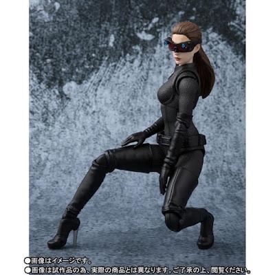 "S.H.Figuarts Catwoman de ""The Dark Knight Rises"" - Tamashii Nations"