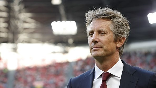Van der Sar analyses Man United's struggles