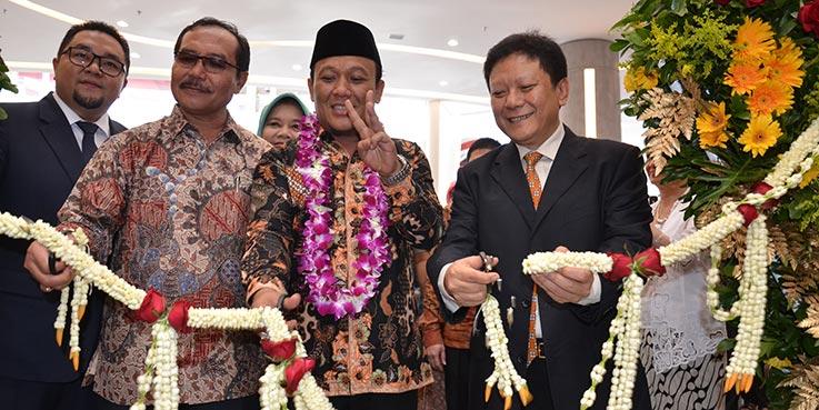 Wakil Bupati Karawang H. Ahmad Zamakhsyari, Sag meresmikan Resinda Park Mall