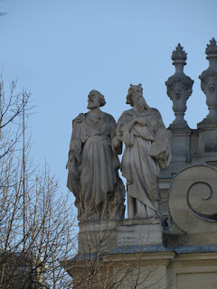 פסלי משה ואהרון בסורבון