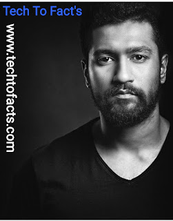 What is the monthly income of Vicky Kaushal?