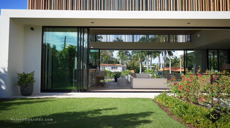 93 Photos vs. Tour 1635 W 22nd St, Miami Beach, FL Ultra Luxury Mansion Interior Design