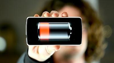 Faktor dan cara mengatasi baterai smartphone lama terisi saat di charge