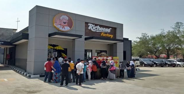 Lowongan Kerja Crew PT. Richeese Kuliner Indonesia Penempatan Tangerang