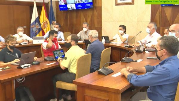 Los Reyes presiden el Comité Director del PEVOLCA y se reúnen con el Comité Científico