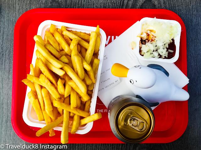 badeente schwimmente netherland niederland holland friet pommes