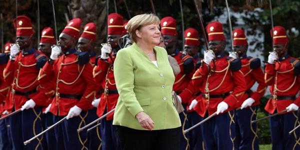 Οι Γερμανοί προσεγγίζουν την Ελλάδα ως αποικία τους