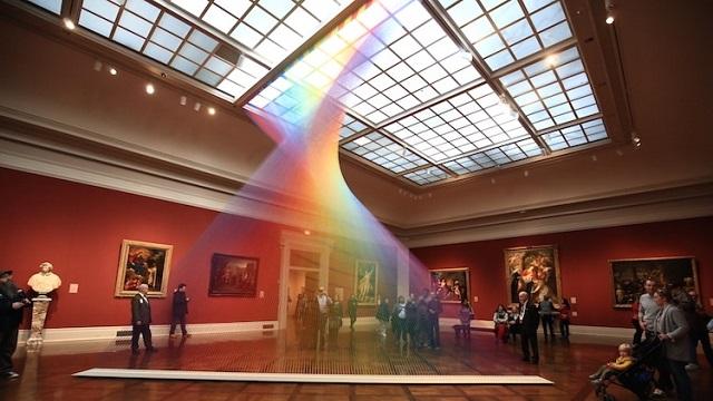 Arco-íris de Gabriel Dawe no Museu de Arte de Toledo/Reprodução