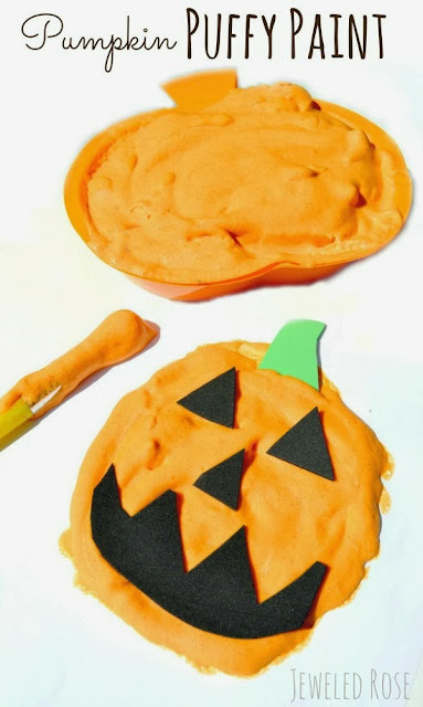 Make your own pumpkin puffy paint- this paint has such a FUN texture and smells just like pumpkin pie- a perfect art activity for Fall!