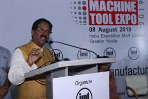 Arvind Ganpat Sawant, Honourable Minister for Heavy Industries and Public Enterprises addressing the gathering during the beginning of Delhi Machine Tool Expo