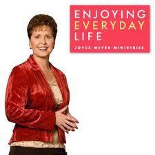 http://1.bp.blogspot.com/-DxYL81P0gBs/UVhrnL2xL8I/AAAAAAAAJNA/v4e7BKuWGwg/s1600/joyce_meyer_masonic_hand_sign.jpg