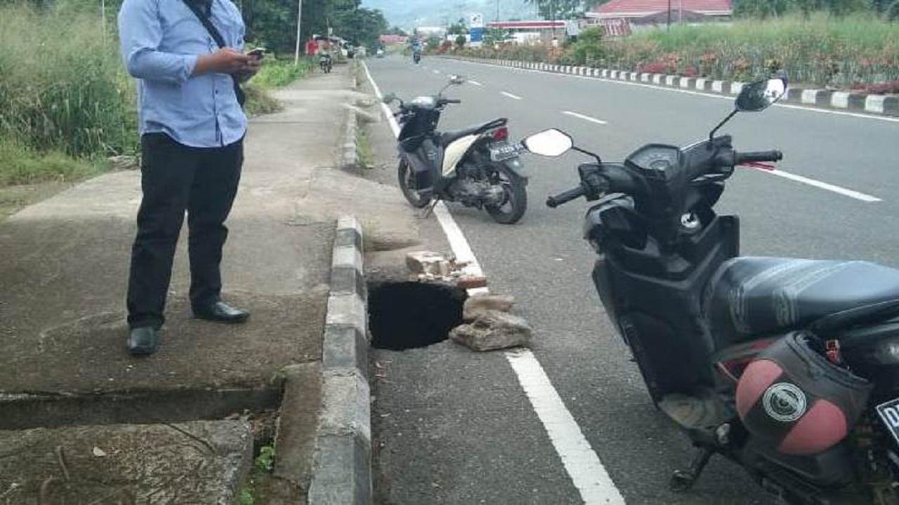 drainase jalan raya moyag
