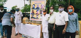 शहीद जवानों को रेलवे पेंशनरों ने दी श्रधांजलि