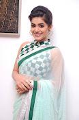Yamini Bhaskar latest glamorous photos-thumbnail-12