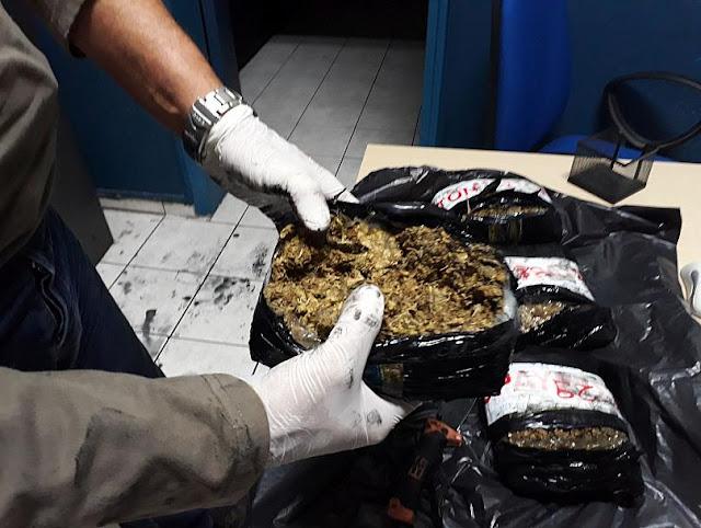 52 κιλά μαριχουάνας κατασχέθηκαν σε πλοίο στον Πειραιά (βίντεο)