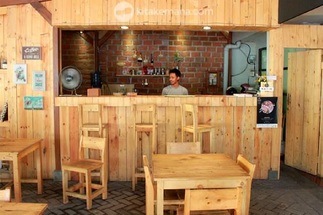 meja bar kayu pinus custome