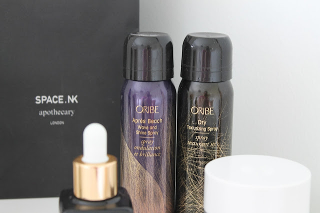 A picture of the Oribe Dry Texturizing Spray