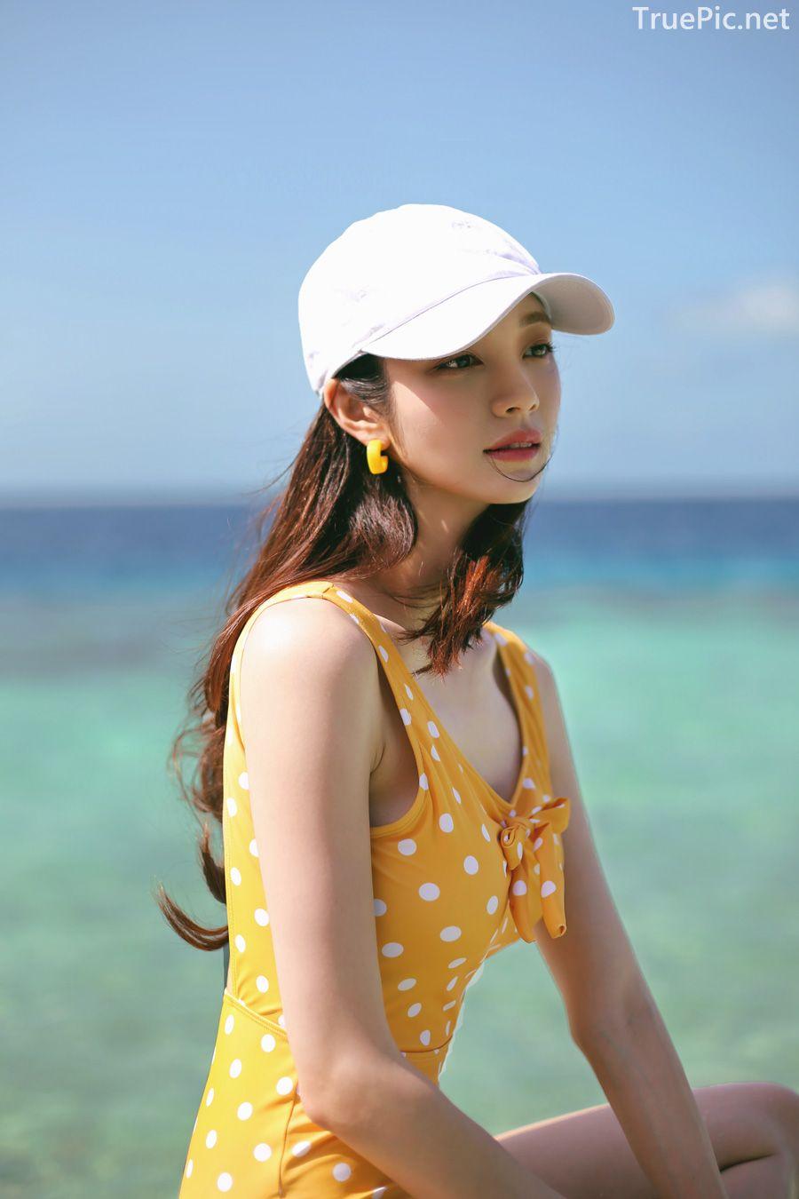 Korean fashion model Jeong Hee - Everyone once a monokini - Picture 7