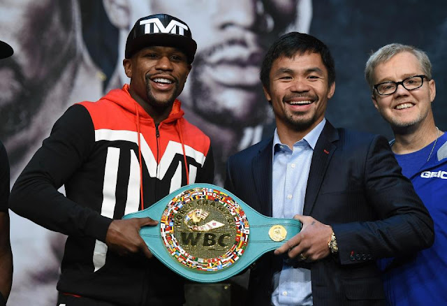 Floyd Mayweather And Manny Pacquiao in 2015