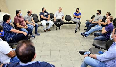 Orlando apresenta aos empresários ações que serão implementadas em Limoeiro