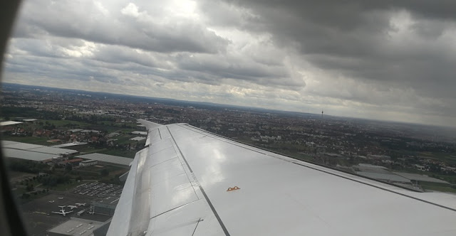 Flughafen Nürnberg - nach dem Abheben hat man einen schönen Blick auf Nürnberg