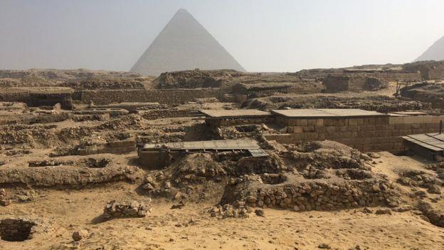 عصابة تقود الشرطة المصرية لاكتشاف مدينة أثرية كاملة.؟