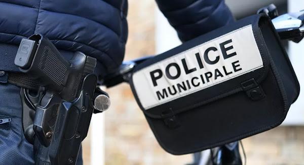 Saint-Étienne: à 13 ans, elle menace une policière, lui crache dessus et lui met un coup de tête