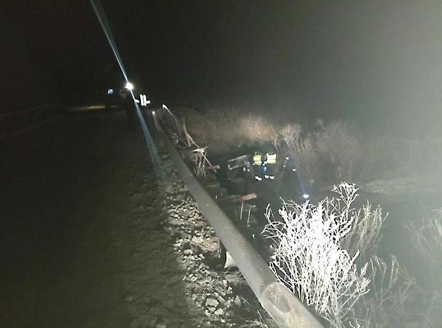 В Башкирии Лада Калина упала с моста: есть погибшие