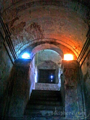 Stairs leading to the underground crypt
