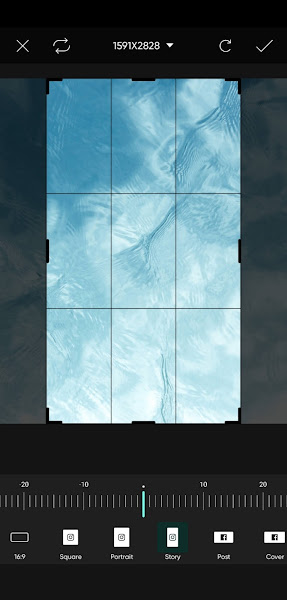 Crop background for story size