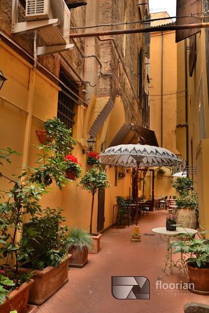Ciche zakątki Bolonii. Bolonia - przewodnik, informacje praktyczne, atrakcje turystyczne Bolonii oraz mnóstwo zdjęć.