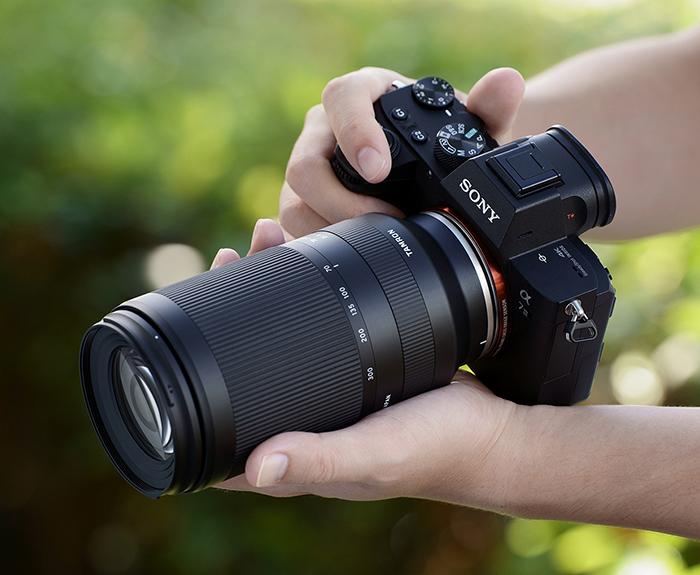 Tamron 70-300mm f/4.5-6.3 Di III RXD с камерой Sony