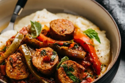 ITALIAN SAUSAGE AND PEPPERS OVER CREAMY CAULIFLOWER PUREE