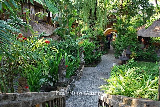 Garden at Hotel Tugu Bali