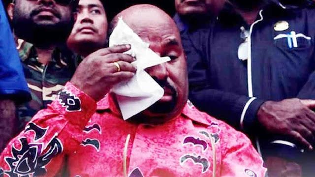 Bintang Kejora Berkibar, Gubernur Papua: Nanti Turun Sendiri, Jangan Dipaksa