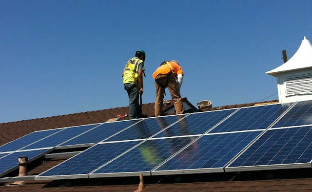 Vereador de Colombo propõe instalação de painéis solares em escolas e postos de saúde de Colombo para economizar energia