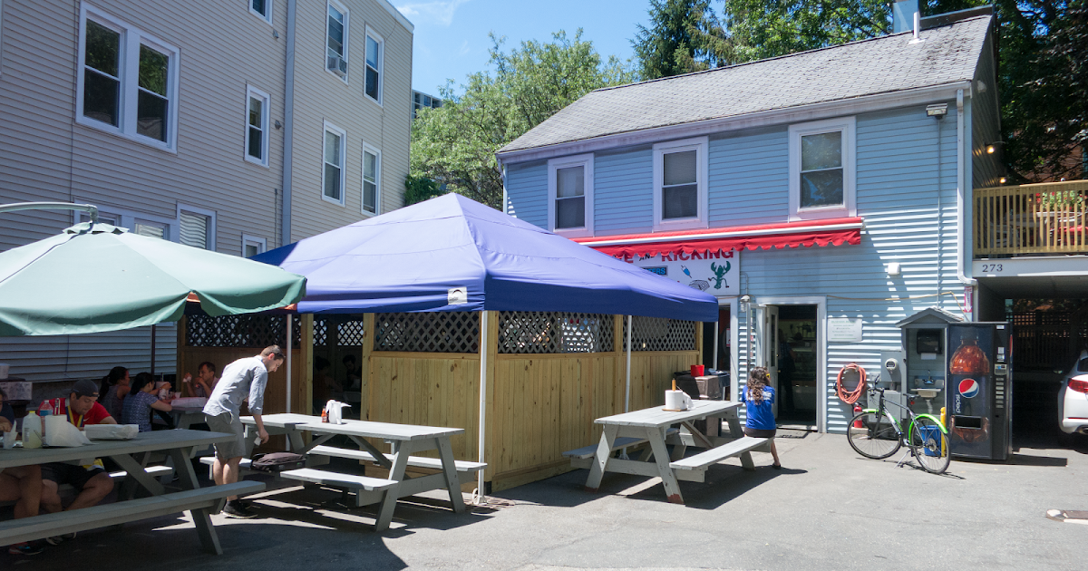 The Daily Lunch: Alive & Kicking Lobsters Cambridge