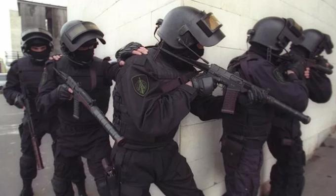 Ufficiale italiano della Marina e militare russo fermati per spionaggio