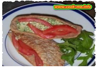Chicken sandwich in pita bread